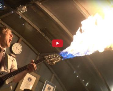Flammenwerfer-Gitarre